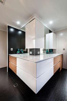 modern Bathroom by Moda Interiors