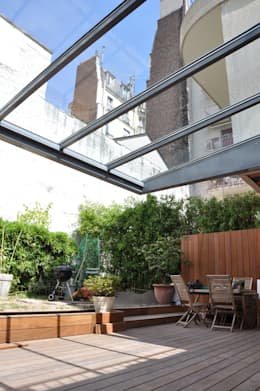 Verrière extérieure: Terrasse de style  par LA TRAVERSE architecture
