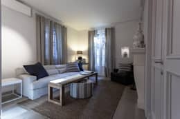 Come arredare casa in stile classico moderno for Piani di casa con camino a doppia faccia
