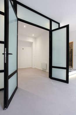 verrière: Chambre de style de style Moderne par ARCHIIMMO