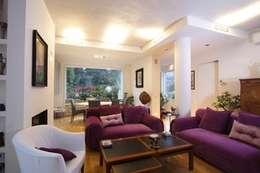 modern Living room by alessandro.spagliardi