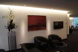 Oficinas y tiendas de estilo  por Bolz Planungen für Licht und Raum