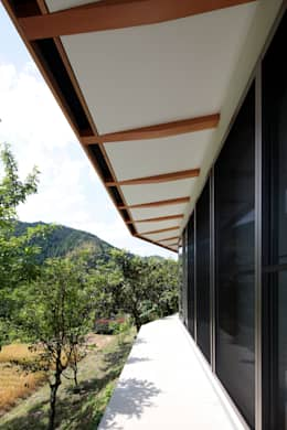 modern Houses by 長谷雄聖建築設計事務所