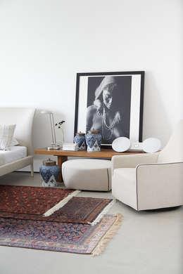 Apartamento da Colecionadora: Quartos  por Consuelo Jorge Arquitetos