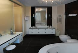 Дом в Ильино: Ванные комнаты в . Автор – Дизайн-студия «ARTof3L»