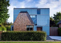 Projekty, skandynawskie Domy zaprojektowane przez Mole Architects