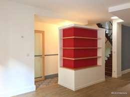 Volume multi usages: Salon de style de style Moderne par 3B Architecture
