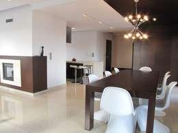 minimalistic Dining room by Fabryka Wnętrz