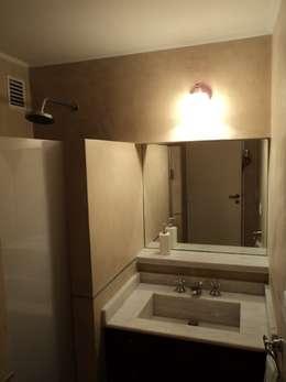 Refacción semi piso RP: Baños de estilo moderno por Dali Arquitectura