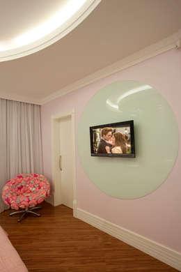 modern Bedroom by Arquiteto Aquiles Nícolas Kílaris