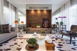 Living Casa São Paulo: Salas de estar modernas por Vaiano e Rossetto Arquitetura e Interiores