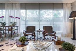 Sala de estar  por Vaiano e Rossetto Arquitetura e Interiores