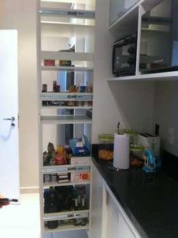 Cocinas de estilo moderno por Nataly Aguiar Arq e Interiores