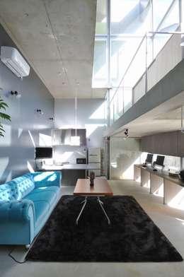 岡村泰之建築設計事務所의  거실