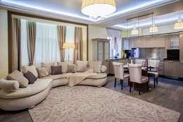 квартира в центре города: Гостиная в . Автор – Center of interior design