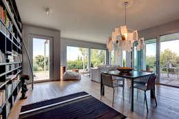 soggiorno: Soggiorno in stile in stile Moderno di studio di architettura via bava 36