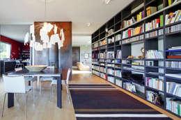Villa a Chieri - Torino : Soggiorno in stile in stile Moderno di studio di architettura via bava 36
