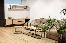 Set Quadratischer Tische. Moderne Wohnzimmer Von Cube Deco