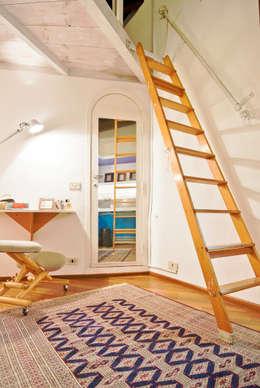 Salas de estilo moderno por RCFZERO