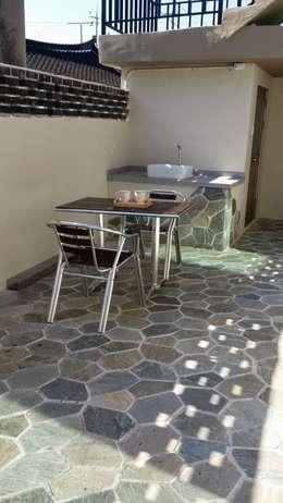 주택 리모델링: 해밀건축사사무소의  베란다