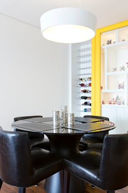 Adega: Salas de jantar ecléticas por ArkDek