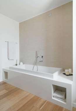SANSON ARCHITETTI: Bagno in stile in stile Minimalista di SANSON ARCHITETTI