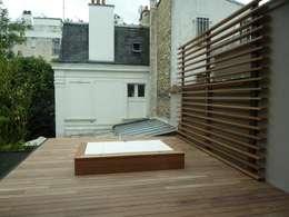 jacuzzi sur terrase etage: Spa de style de style Moderne par L+R architecture