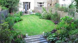 Jardines de estilo colonial por Fenton Roberts Garden Design