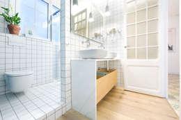 scandinavian Bathroom by Egue y Seta