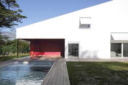 MAISON BASTILLE: Terrasse de style  par SCRIPT architectures