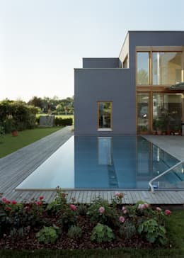 modern Pool by architekturbühne