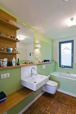 modern Bathroom by puschmann architektur