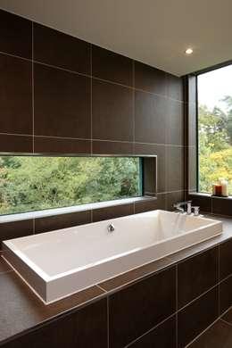 Ванные комнаты в . Автор – Nicolas Tye Architects