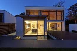 Projekty, nowoczesne Domy zaprojektowane przez Nicolas Tye Architects