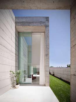Finestre in stile  di Phyd Arquitectura