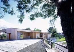 北東側外観: ㈱ライフ建築設計事務所が手掛けた家です。