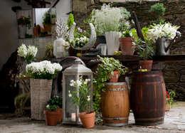 Paisajismo de interiores de estilo  por CRIS CAMBA Estudio floral.