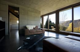 Casa per le vacanze a Pettenasco: Soggiorno in stile in stile Moderno di PRR Architetti - Stefano Rigoni Sara Pivetta Stefania Restelli