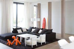 Salon: Salon de style de style eclectique par GUILLAUME DA SILVA ARCHITECTURE INTERIEURE
