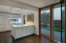 modern Kitchen by Kauffmann Theilig & Partner, Freie Architekten BDA