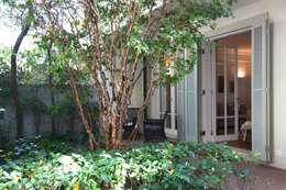 Jardim Frente: Terraços  por Ornella Lenci Arquitetura