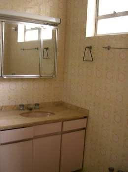 Banheiro Casal ANTES:   por Ornella Lenci Arquitetura