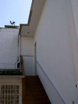 Edícula ANTES:   por Ornella Lenci Arquitetura