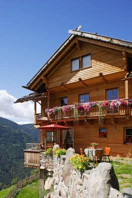 บ้านและที่อยู่อาศัย by Thoma Holz GmbH