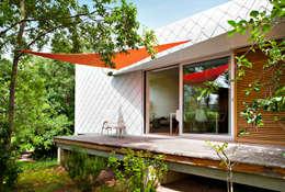 Casas de estilo moderno por Thoma Holz GmbH