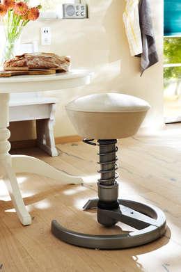 Livings de estilo clásico por aeris GmbH