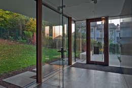 Corridor & hallway by Kauffmann Theilig & Partner, Freie Architekten BDA