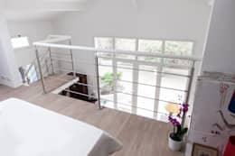 Mezzanine: Chambre de style de style Moderne par Lise Compain