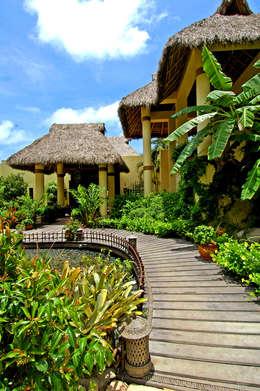 Casa Amore: Jardines de estilo topical por BR  ARQUITECTOS