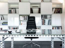 Projekty,  Domowe biuro i gabinet zaprojektowane przez Maisons Loginter